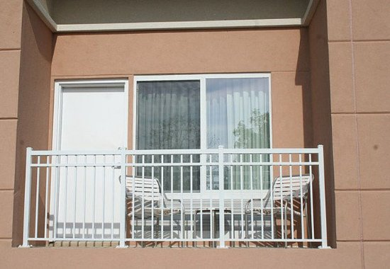 Strasburg, VA: Executive Suite Balcony
