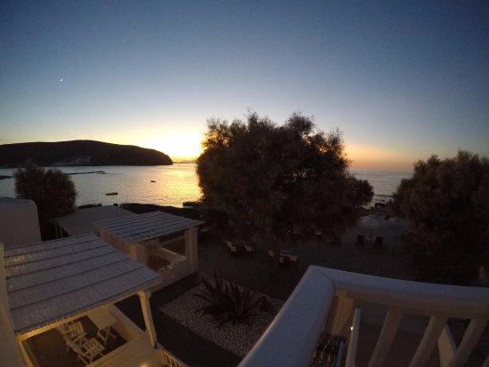 Nefeli Sunset Studios: Our evenings in Milos