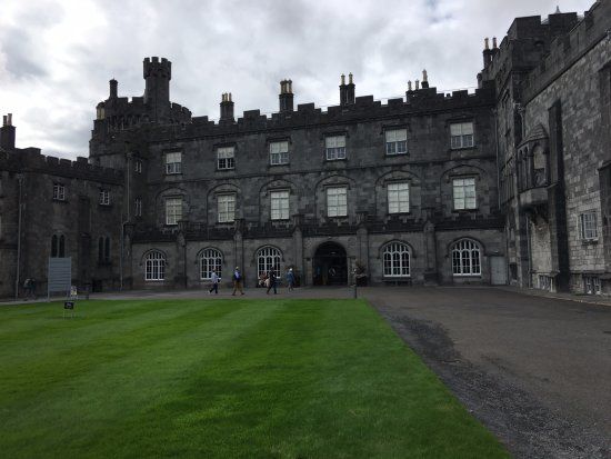 Private Chauffeur Tours Ireland