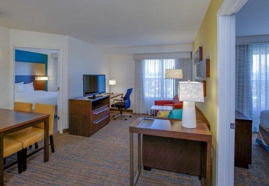 Chicopee, ماساتشوستس: Two-Bedroom Suite
