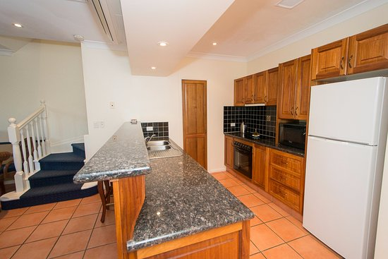 Tinaroo, Australien: Full Kitchen in every Apartment