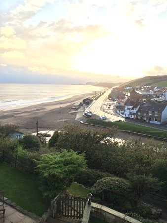 Sandsend Cottages: Stunning view from Craigmore main bedroom window