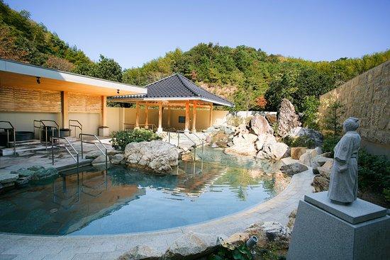 Tosa Royal Hotel : 【1階 よさこい温泉】高知県の観光名所【桂浜】をイメージした露天風呂でございます。