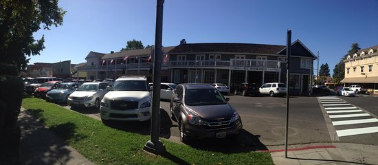 Sonoma Plaza: Pic 3