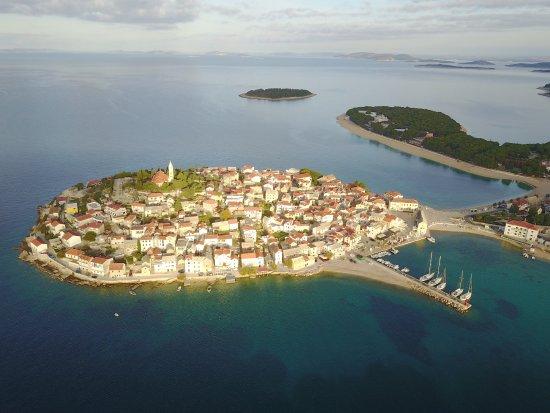 Central Croatia, Kroasia: Городок Примокшен. Хорватский городок Примошкен. Сколько раз я проходил мимо и не знал, что можн