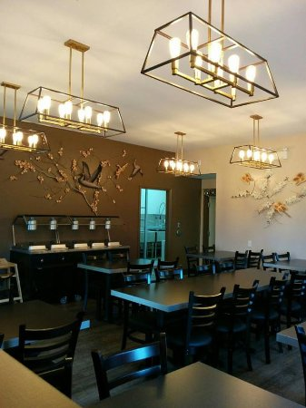 Longlac, Canadá: A view into the dining lounge. Come have a relaxing meal.