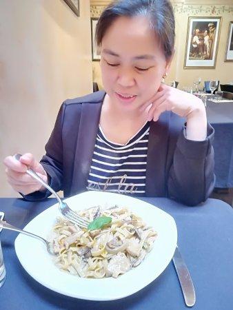 Adriana's Restaurant: Mum's Fetuccine