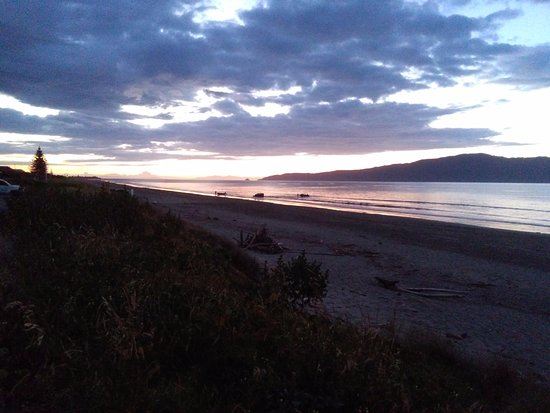 Kapiti Coast, Neuseeland: sunset early evening kapiti island