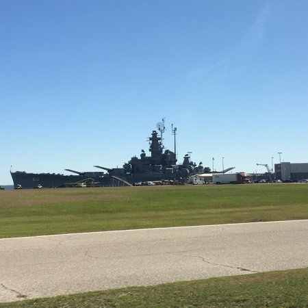 Battleship USS ALABAMA : Spent a couple of hours visiting with my WWII veteran husband. Our driver guide was able to assi