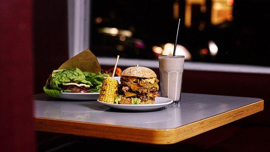 Burgermeester: Burger, shake and fresh corn on a cob