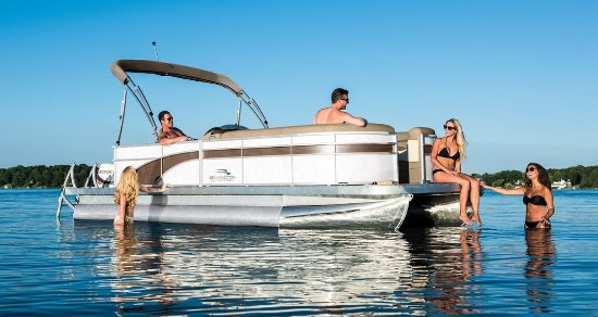 Holiday, FL: Brand New Pontoon Boats available to rent for full day and half day excursions.