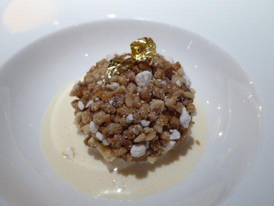 Levernois, Frankrike: Avant-dessert