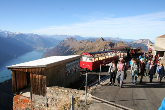 Brienz Rothorn Bahn: stop at the top of the Rothorn
