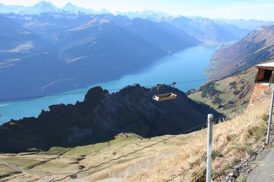 Brienz, Zwitserland: View over the lake from the top