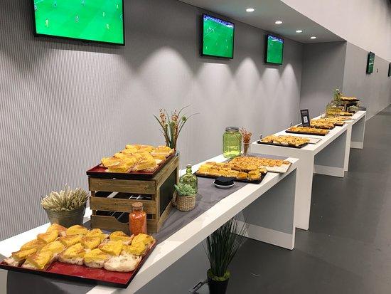 Food in vip picture of wanda metropolitano madrid for Cuisine vipp