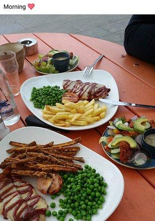 Letchworth, UK: Hunters Chicken, Yum yum!