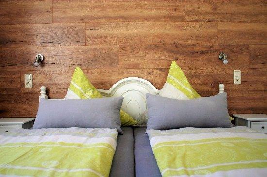 Gersfeld, Germany: Doppelzimmer liebevoll renoviert