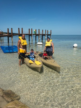 Long Key (Cayo Víbora), FL: Family ready to head out for some exploration