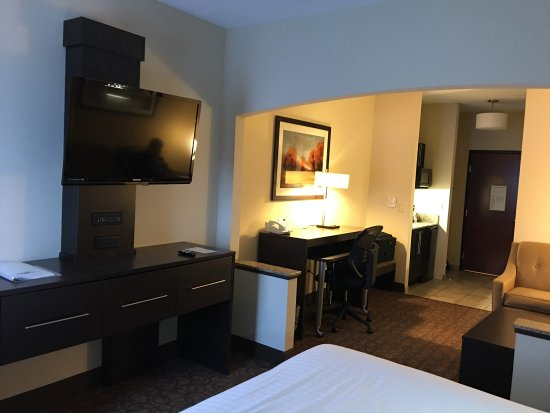 Holiday Inn Express Hotel & Suites Topeka West I70 & Wanamaker: photo1.jpg