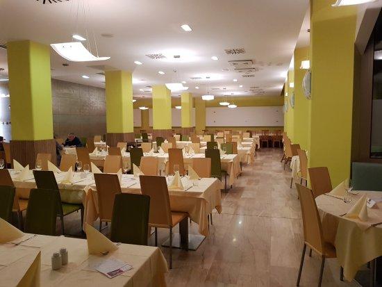 Remisens Hotel Lucija: dining room