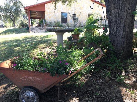 Llano, TX: Mountain View Guest House - Exterior