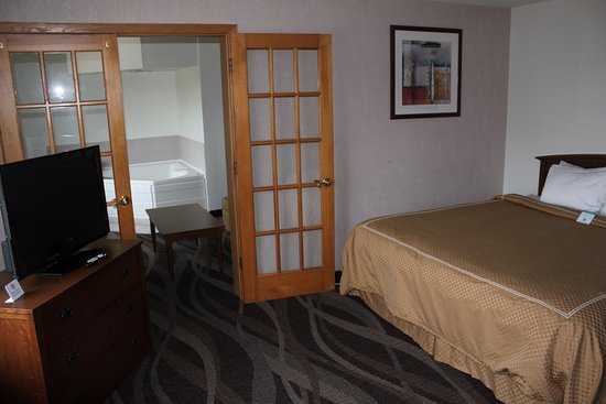 Boarders Inn and Suites Ripon, WI: Our luxurious guest suites will make your stay memorable.