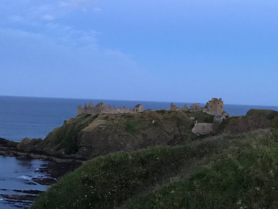 Ship Inn: Dunnottair Castle dal sentiero