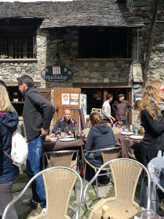 Taull, Spanien: Vista exterior - Restaurant MALLADOR (Taüll-Lleida)