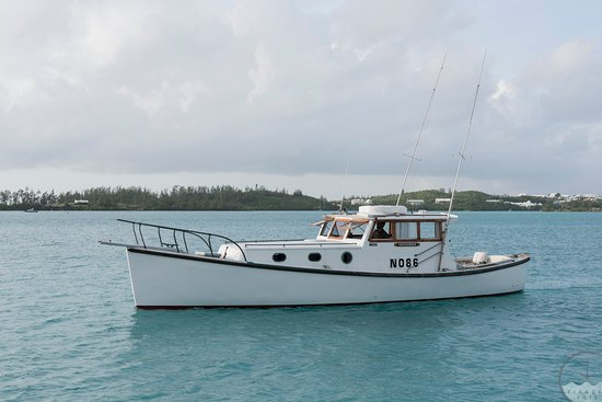 "Hamilton, Islas Bermudas: Early Bird Charters: ""Troubadour"" - Our 42' Double Ender Boat"