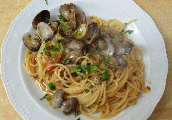 Dal 1982 uno dei primi ristoranti a barletta propone cucina tipica