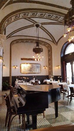 Callas Cafe & Restaurant: Callas