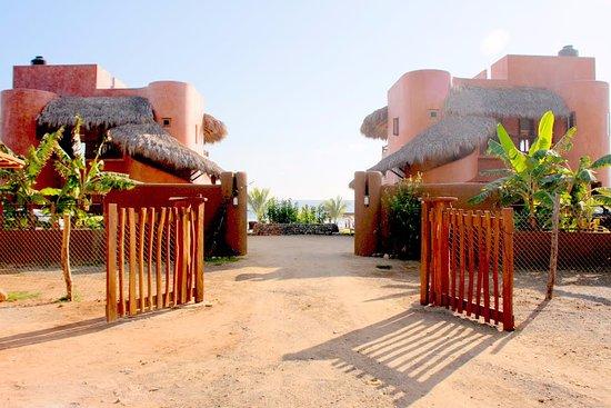 La Saladita, Μεξικό: Front Entrance Gate