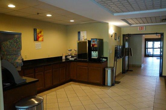Pickerington, OH: Breakfast area