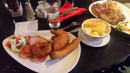 Kells, Ireland: Chicken Maryland