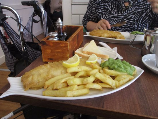 Fisherman's Fish & Chip Shop: The lovely plate of food