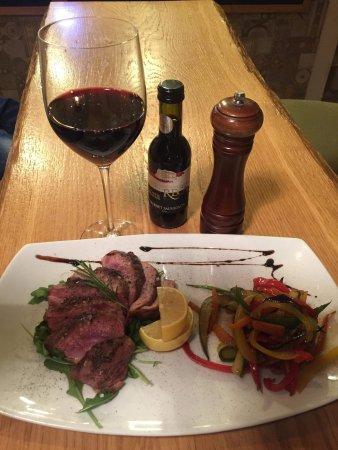 Cugir, Romania: Chic Restaurant & Lounge