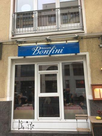 Bonfini: The entrance
