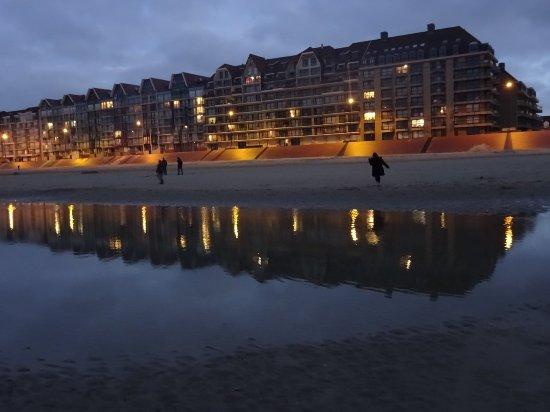 Bray-Dunes, Frankreich: Magnifiques couchers de soleil sur et au pied de la dune.
