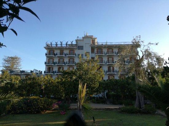 Majestic Palace Hotel: IMG_20171027_083937_large.jpg