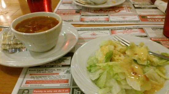 Leiby's Ice Cream House & Restaurant: Hot bacon dressing/salad and soup