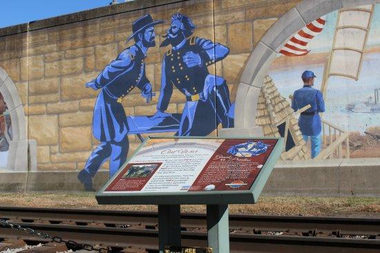 Cape Girardeau, MO: Mississippi River Tales Mural
