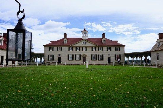 George Washington's Mount Vernon: Main building