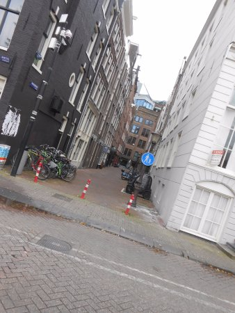 Eden Hotel Amsterdam: calle laateral