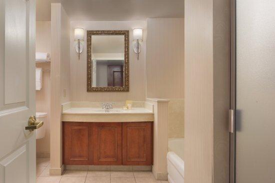 Milpitas, CA: Premier Bathroom