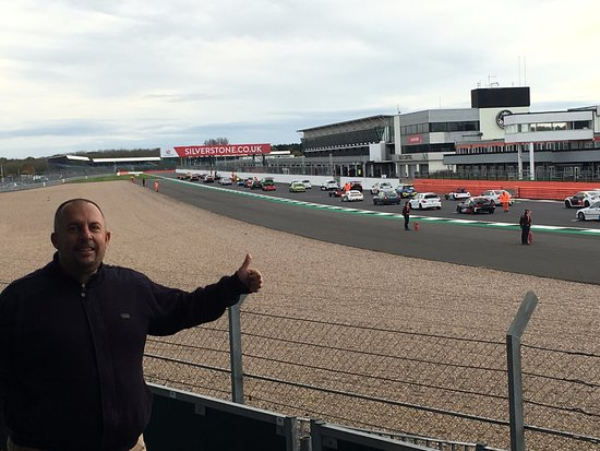 Silverstone, UK: Race from the first row