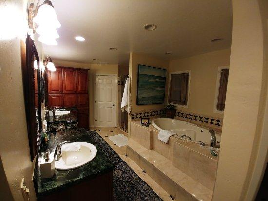Hillcrest House Bed & Breakfast : 1023171823_large.jpg