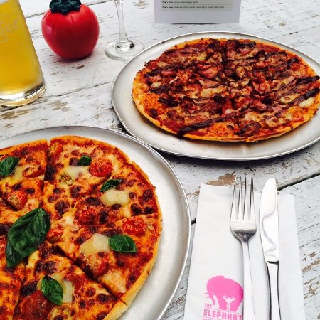 "Takapuna, Selandia Baru: SUNDAY is all about the social kitchen!! SO enjoy any one of our 12"" pizzas for only $15.00 ALL"