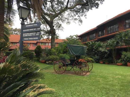 Fairmont The Norfolk: Quiet oasis of a courtyard filled with intriguing antiques