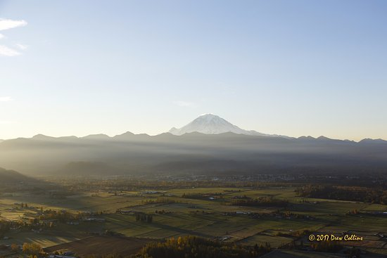 Burien, Ουάσιγκτον: Mt. Rainier at sunrise