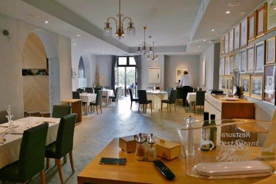 Lovrecica, Croacia: Der Restaurant-Innenraum